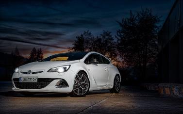 Opel-Astra-OPC-III